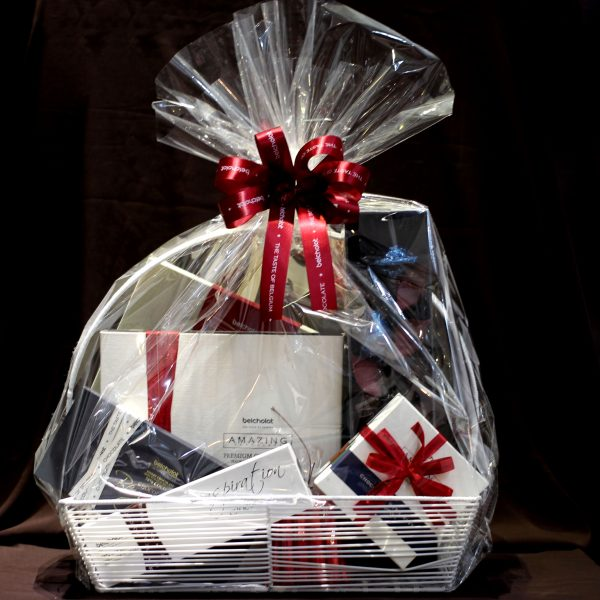 CHOCOLATE HAMPER S03