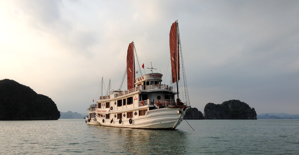 20160521_Lenh denh tren bien Ha Long_1
