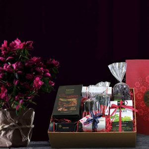 CHOCOLATE HAMPER S02